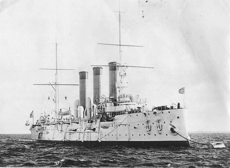 Бронепалубный крейсер «Диана» на Малом Кронштадтском рейде