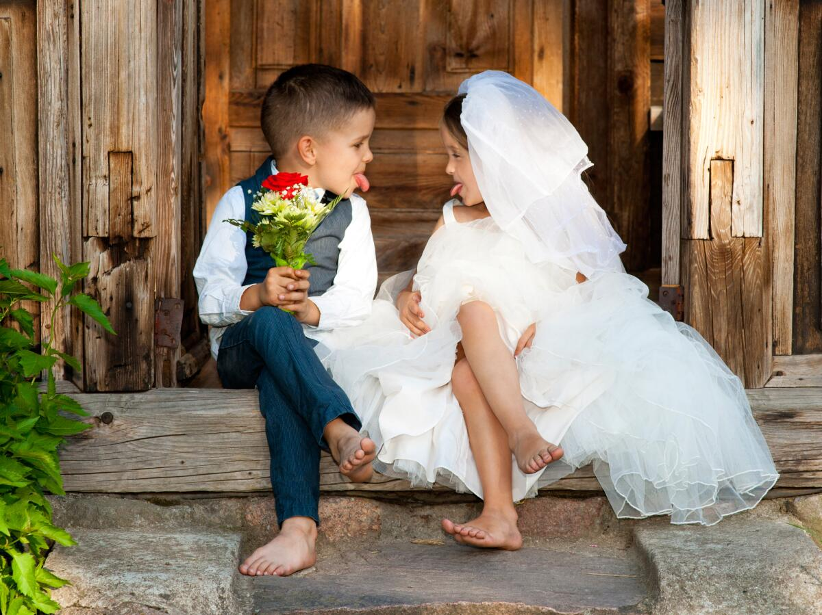 Свадебные хиты 1960-х. Какова история песен «When A Man Loves A Woman», «Cherish» и «Never My Love»?