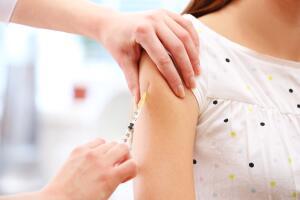Кому нельзя ставить прививки?