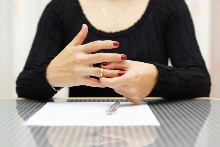 Основные причиныразвода: муж пьет, мало зарабатывает, не помогает дома
