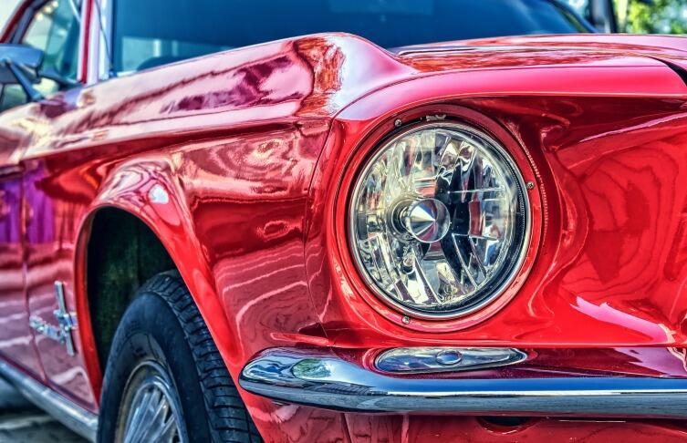 Как закрасить царапину на автомобиле? Выкрасить и не выбросить