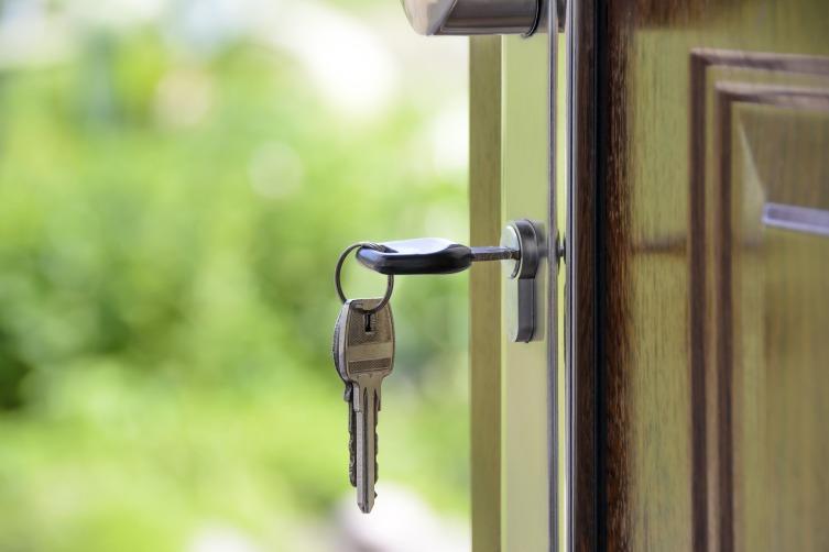Хорошая металлическая дверь должна обладать респектабельным внешним видом