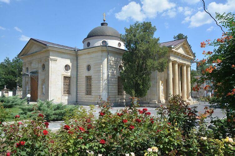 Екатерининский собор в Херсоне, основанный Потёмкиным. В нём же он и был похоронен в 1791 году