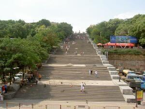 Почему одесская лестница - Потёмкинская?