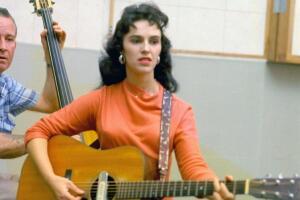 Рок-н-роллы 1950-х. Какая женщина первой стала исполнять рок-н-роллы, а какая - сочинять?
