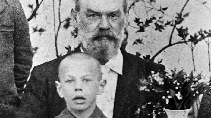 8-летний Рихард с отцом