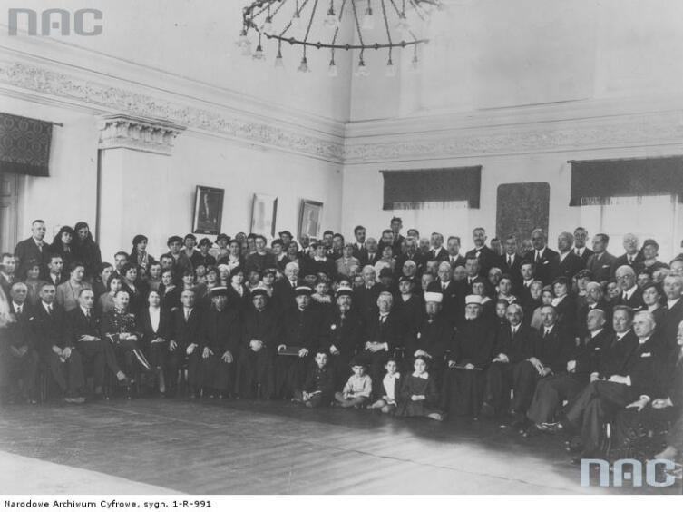 Участники торжеств по случаю утверждения Устава караимского религиозного союза 26 апреля 1936 г.