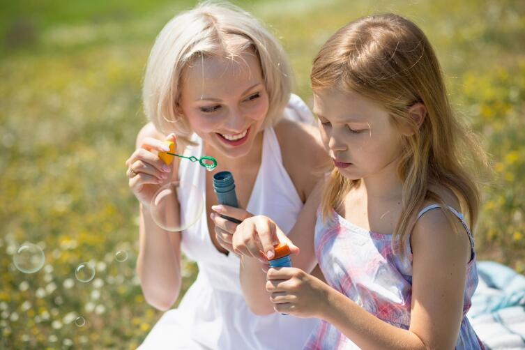С ребенком постарше помогают отвлекающие маневры