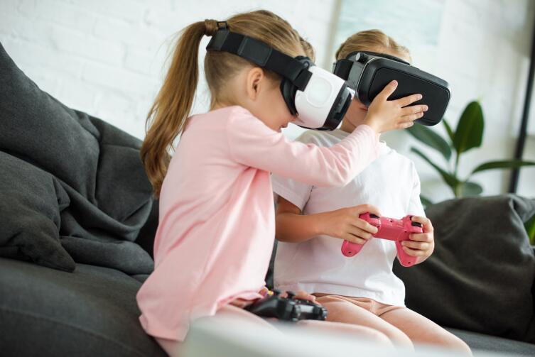 Детей нет на улице, нет в кинотеатрах - игра гораздо интереснее реальности
