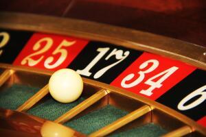 Игровые автоматы в казино. Правда ли, что они позволили выиграть обманщикам?