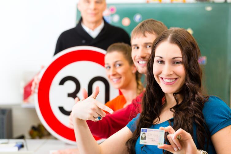 Система обучения в автошколе нацелена на натаскивание на сдачу экзаменов в ГИБДД