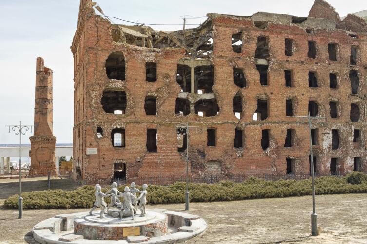 Битва в истории осталась Сталинградской, а город переименовали в Волгоград