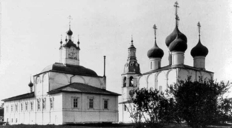 Теплая и холодная (летняя) церкви в Вологде на фото до 1914 г.