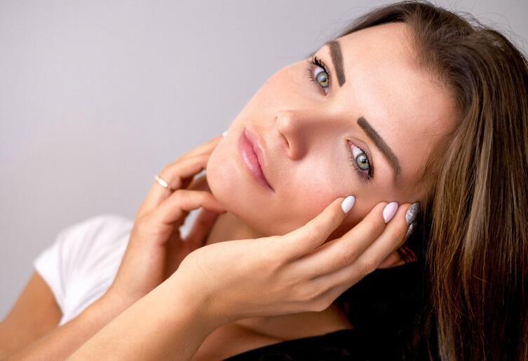 Масло помогает бороться с сухостью и шелушением кожи