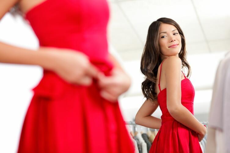 Дамы, будьте осторожны, покупая новое красное платье