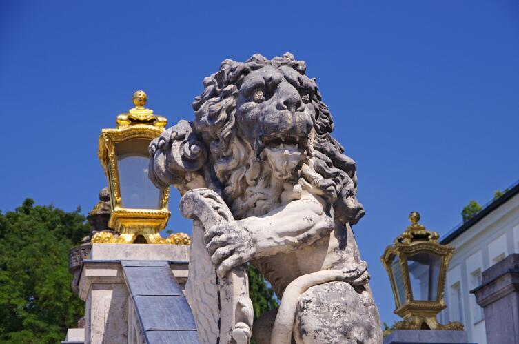 Лев - символ Баварии, поэтому фигурки льва здесь можно купить везде