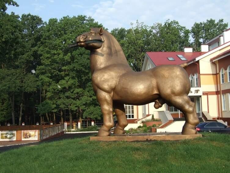 Конь с яйцами в Воронеже