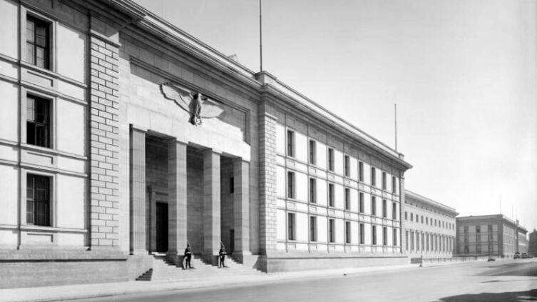 Здание новой рейхсканцелярии в 1939 г.