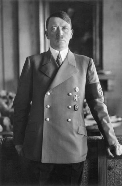 Адольф Гитлер в 1938 г.