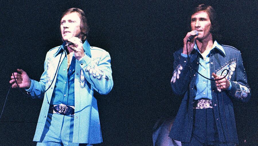 Бобби Хэтфилд (слева) и Билл Медли