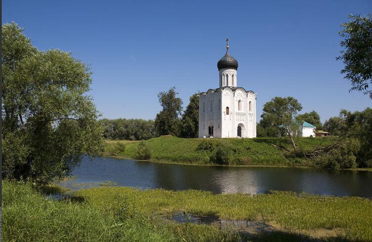 Церковь Покрова на Нерли была свидетелем всех природных катаклизмов с XII века