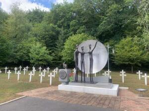 Где искать погибших в плену советских солдат? Мемориальное воинское кладбище Валлеруа, Франция