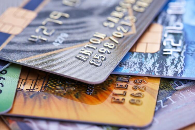 Чаще всего блокировка карты помогает избежать кражи денег клиента
