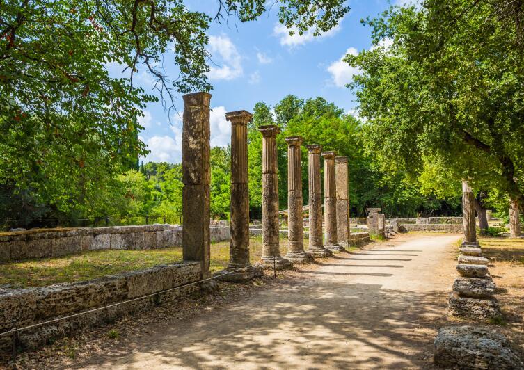 Руины в древней Олимпии