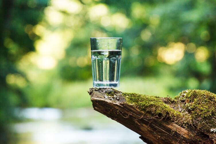 Водой можно снять негативную энергию любой вещи
