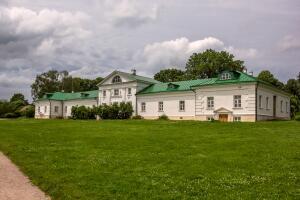 Кабинет Льва Николаевича Толстого