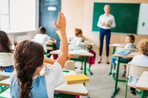 Как помочь ребёнку развить навыки самостоятельности в школьной жизни?