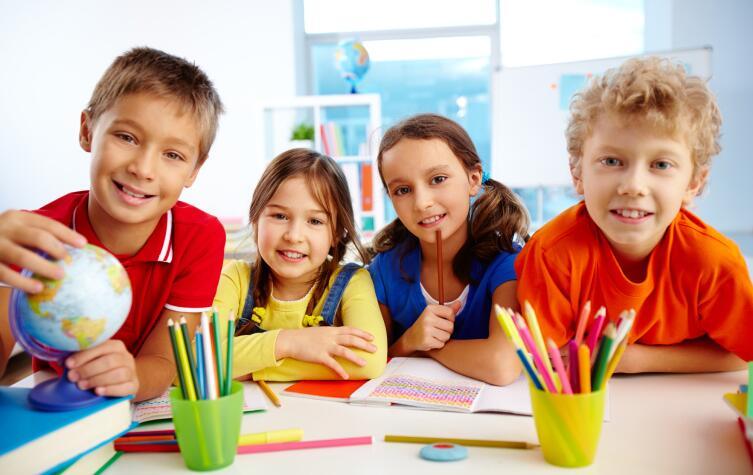 Если ребёнок приучен к порядку дома, то и в школе он будет стремиться к тому же