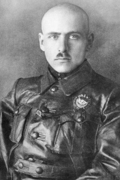 Первый кавалер ордена Красного Знамени Василий Блюхер. 1919 г.
