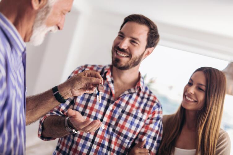 Как снять квартиру без риэлтора и не быть обманутым?