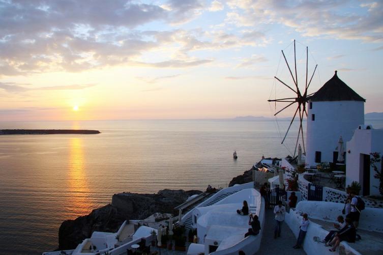 История Санторини: как появился один из самых красивых курортов Средиземноморья?