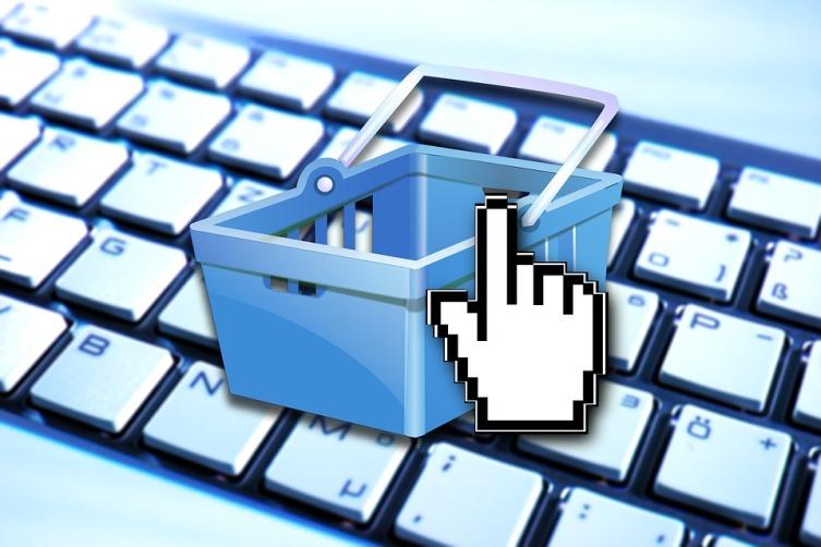 Заказчиком отзывов является либо сам поставщик товара, услуги, либо его конкурент