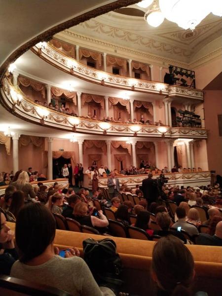 Зал театра в день премьеры