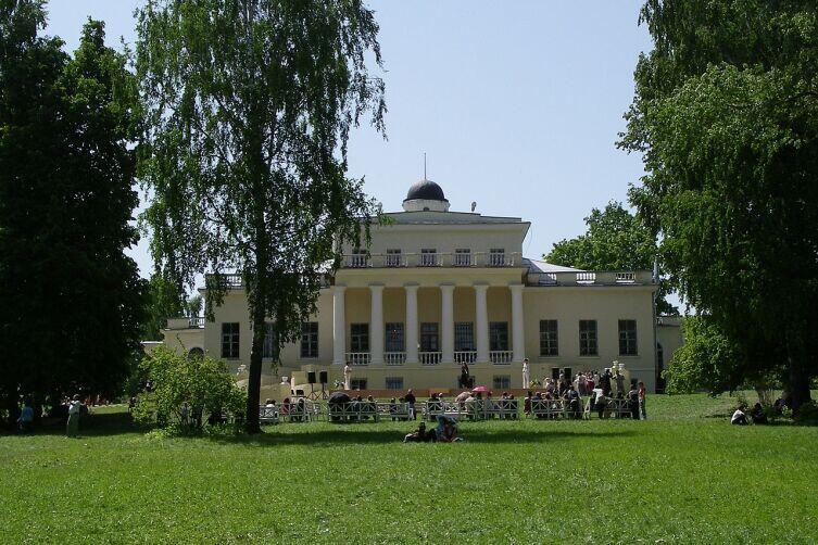 Господский дом в музее-заповеднике