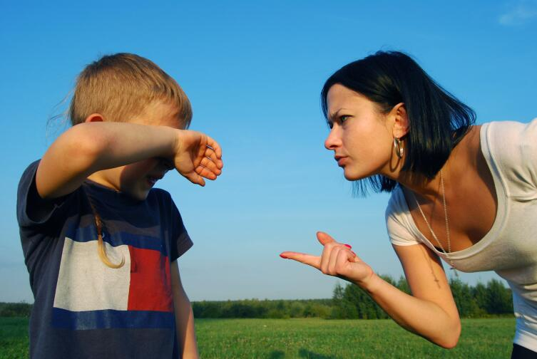 Страшен тот пример, который глупые взрослые подают своим детям