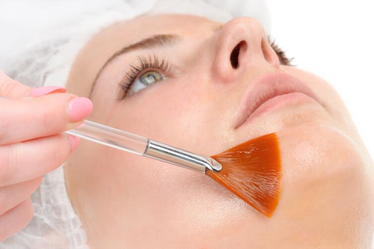 Как ухаживать за кожей лица осенью? Полезные советы