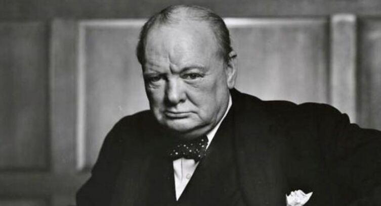 Премьер Великобритании сэр Уинстон Черчилль