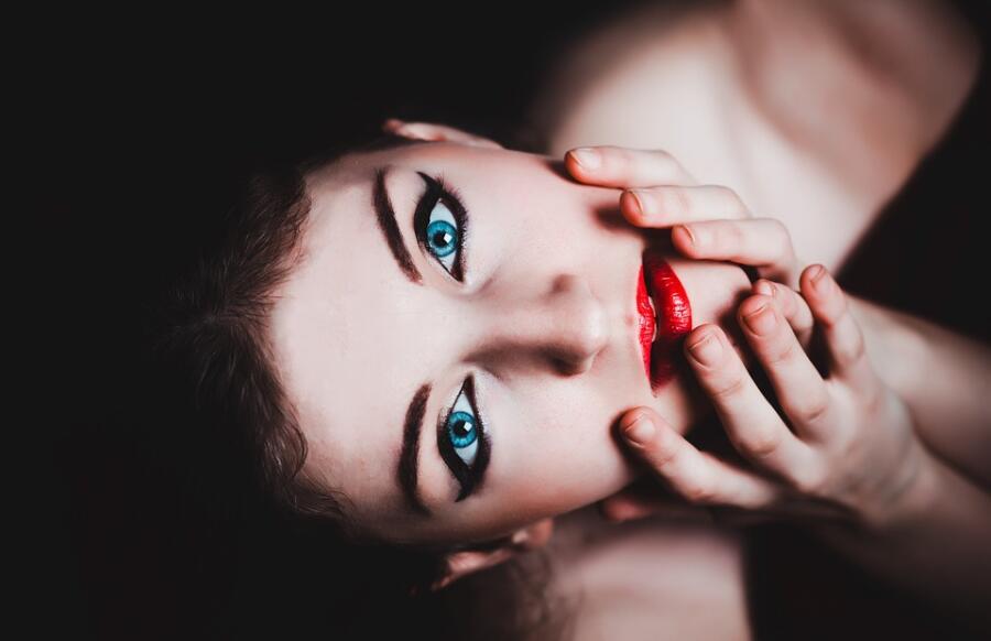 Что в поведении женщины во время секса раздражает мужчину?
