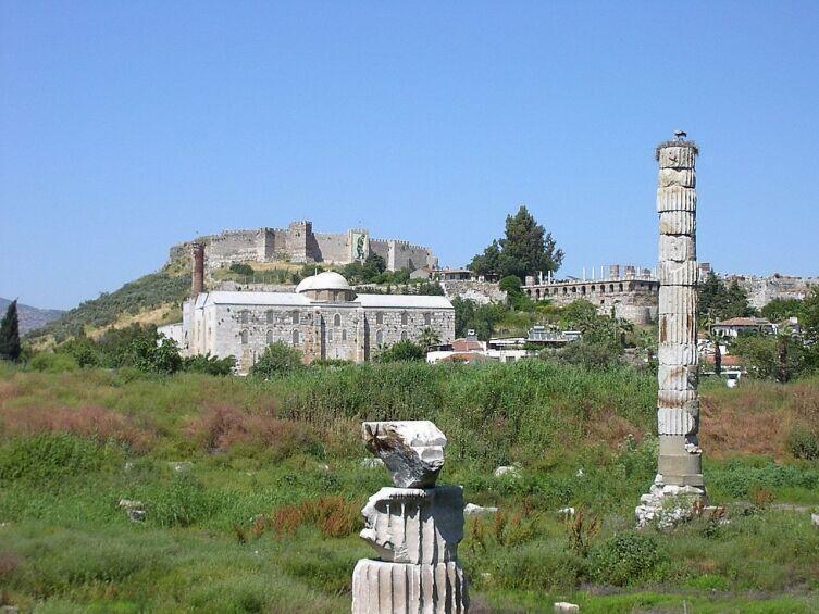Вид на руины храма Артемиды Эфесской