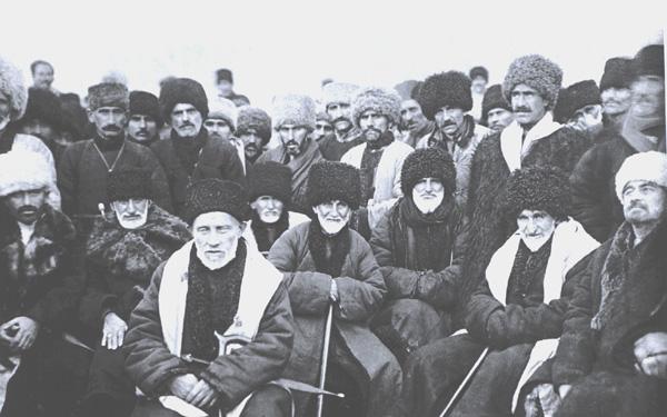 Представители чеченского народа во время провозглашения Чеченской АО, январь 1923 г.