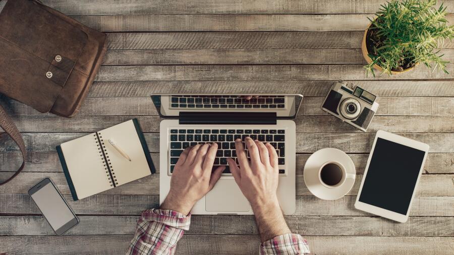 Стоит ли учиться печатать вслепую?