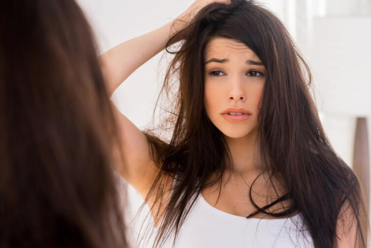 Почему нельзя расчесывать волосы ночью? Народные суеверия