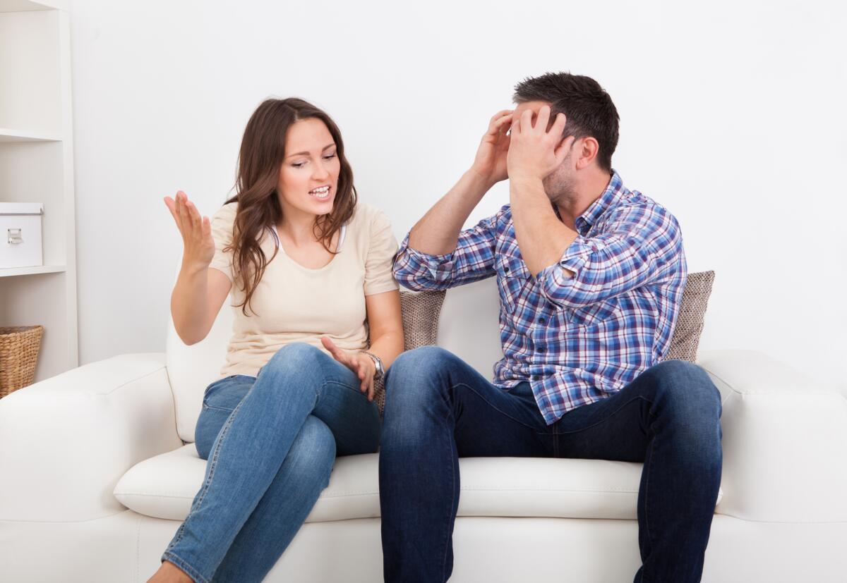 Картинки женщина ссорится с мужчиной