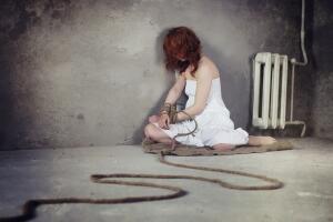Сексуальное рабство: как девушки попадают в ловушку?