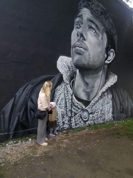 Граффити-портрет Сергея Бодрова