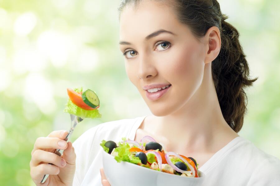 Является ли сыроедение разновидностью вегетарианства? Смотря какое...